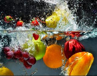 Фотообои в кухню Фрукты в воде 10709