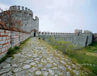 Фотообои Заброшенный замок 0171