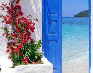 Фотообои Дверь с видом на море 5119