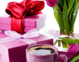 Фотообои Тюльпаны, подарки, кофе 3334