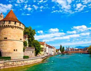 Фотообои Замок у канала 1208