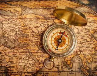 Фотообои Старая карта с компасом 20520