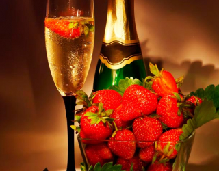Фотообои Клубника, шампанское 10959