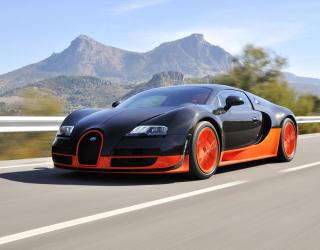 Фотообои черно-красный автомобил в движении 20400