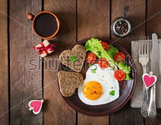 Фотообои Кофе, яичница, помидор, хлеб 361062164