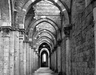 Фотообои Старинный коридор с арками 13766