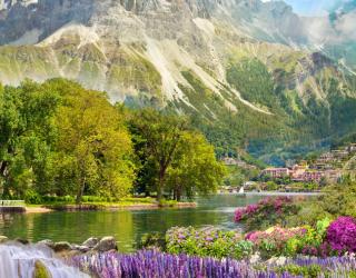 Фотообои большая гора над озером 21516